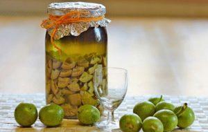 Настойка грецкого ореха