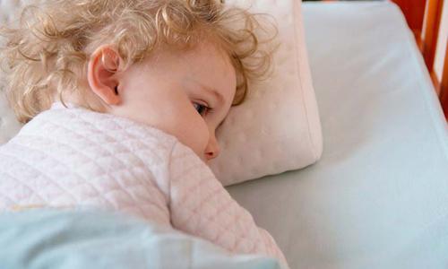 Сифилис у новорожденных детей -
