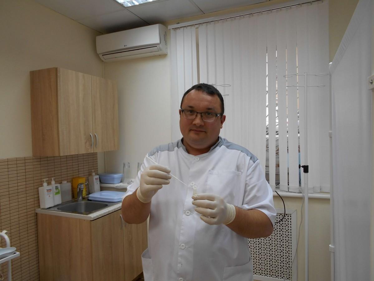 венеролог берет мазки для лечения ЗППП